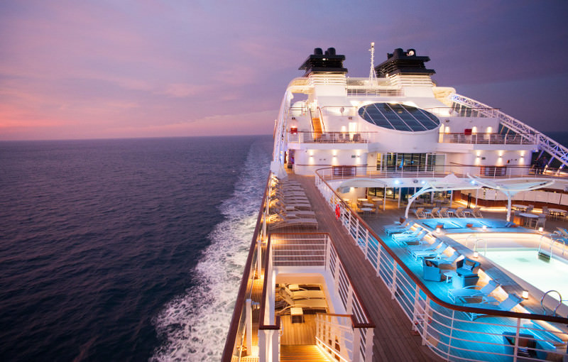 Deluxe Seabourn pooldeck